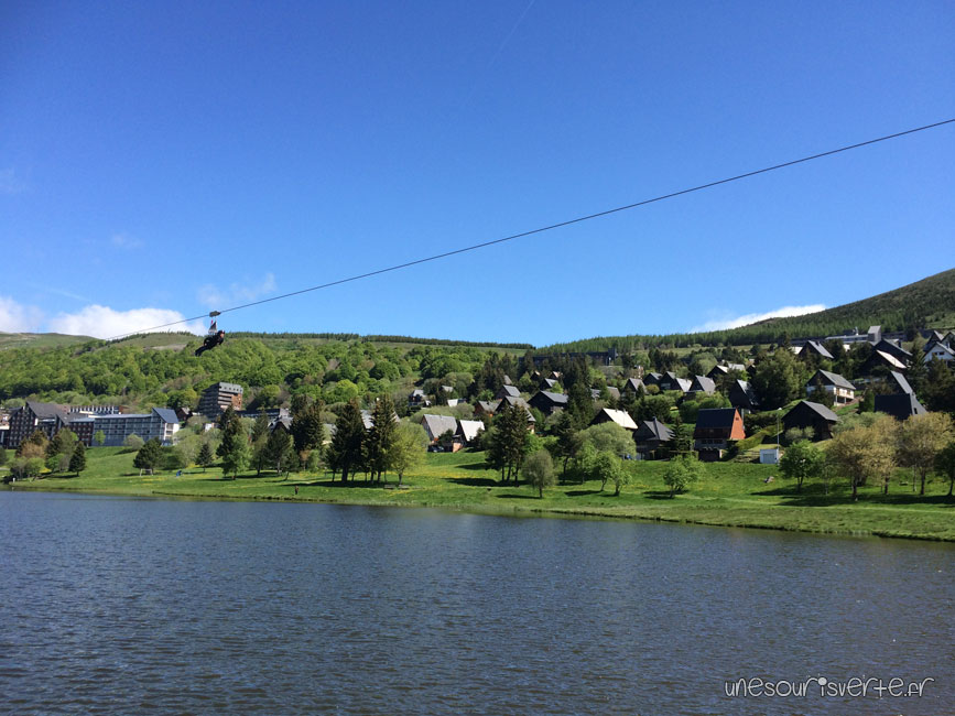 tyrolienne-fantasticable-super-besse-sancy-lac-hermines