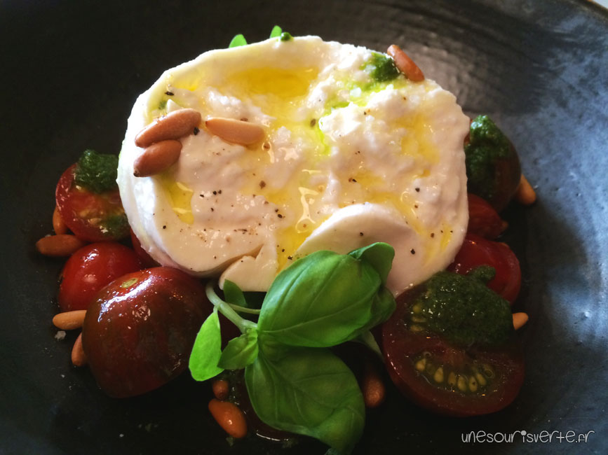 burrata-pesto-pistache-brunch-aux-pres-cyril-lignac-paris